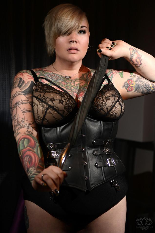 Miss Erin Black - Chicago's full figured fetish companion and Mistress